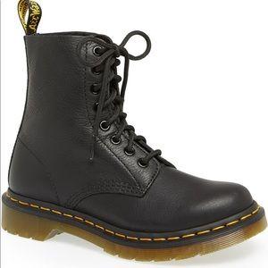 NWT Dr. Martens 1460 Pascal Black combat boot sz10